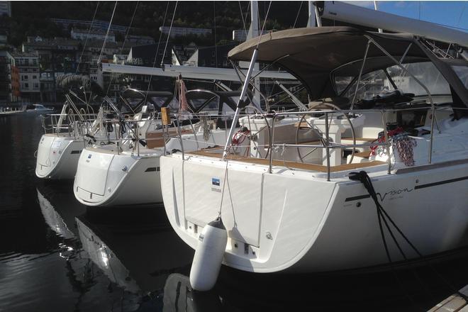 3 flotte båter på gjestebryggen