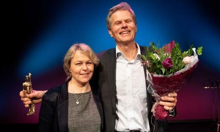 Vinner av omsorgsprisen 2018, Rune Samdal med Eldre- og folkehelseminister Åse Michaelsen